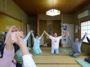 健康づくり笑いヨガ教室の様子